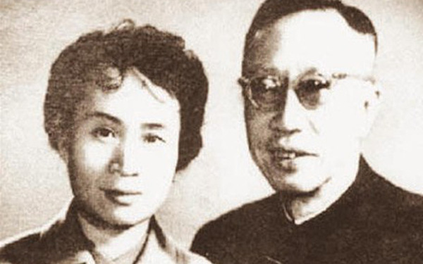 Để lại 1 cuốn sách, Phổ Nghi khiến người vợ thứ 5 vướng vào kiện tụng suốt 10 năm, thắng kiện hôm trước, hôm sau qua đời