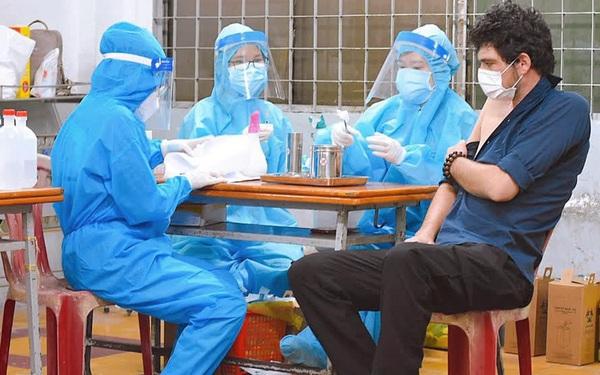 Kiểm tra lô vắc xin COVID-19 khác biệt về hàm lượng khi nhập về Việt Nam
