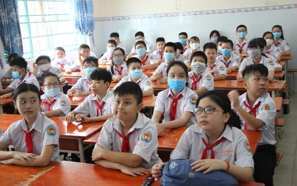 Học sinh ở 3 quận, huyện tại TP.HCM sắp đến trường học trực tiếp