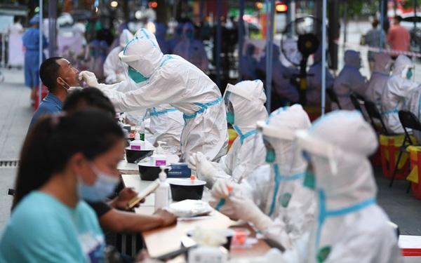 """Xét nghiệm Covid siêu như Trung Quốc: Tạo ra kit rẻ tận cùng chỉ vài USD/người, mỗi thành phố có thể test vài triệu người/ngày, """"bóc sạch"""" F0 nhanh nhất và rẻ nhất"""