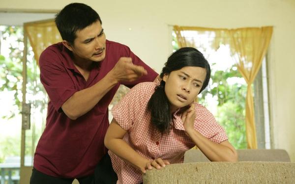 Bạo lực gia đình 'nở rộ' mùa COVID-19