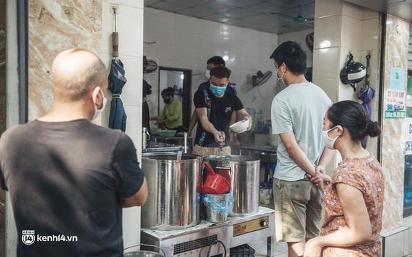 NÓNG: Hà Nội áp dụng Chỉ thị 15 từ 6h sáng 21/9, cửa hàng ăn uống được bán mang về, cho phép mở lại tiệm cắt tóc