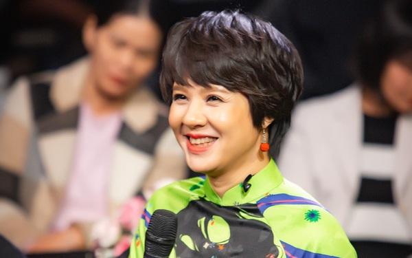 Chân dung tân Giám đốc VFC - Nh.à báo Diễm Quỳnh: Hoa khôi Nh.à đài, MC hot nhất những năm 2000, có bố là Nh.à ngoại giao nổi tiếng