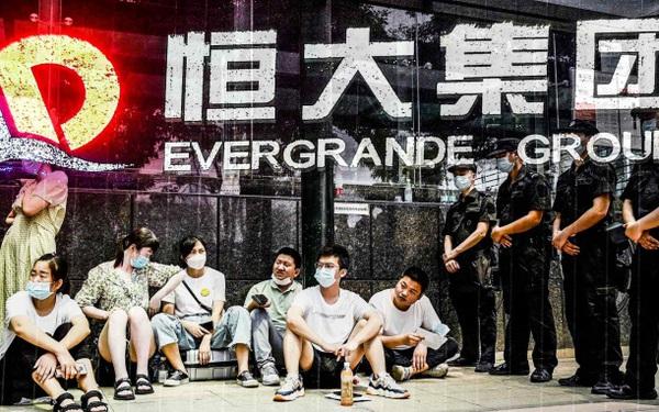 Tương lai Evergrande vô định: Chính phủ chỉ yêu cầu 'hãy làm mọi cách để tránh vỡ nợ', không hề nhắc tới việc giải cứu