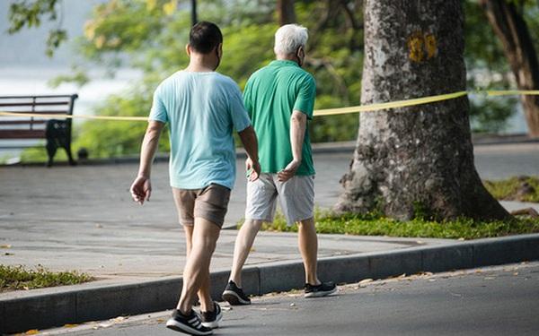 CDC Hà Nội: Người dân chỉ ra đường khi thật sự cần thiết chứ không phải để đi tập thể dục, đi dạo