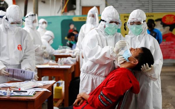 Bí kíp giúp Indonesia giảm từ 50.000 ca mắc Covid-19 mỗi ngày xuống chỉ còn hơn 3.000 ca