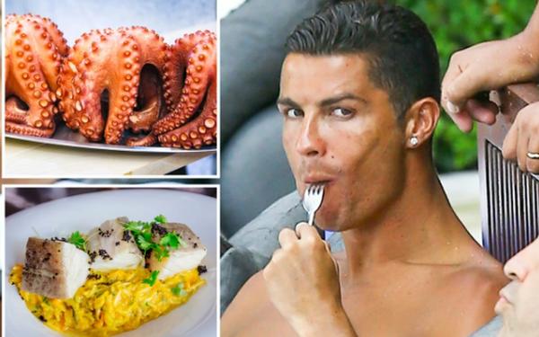 Ronaldo cập nhật món ăn yêu thích cho đầu bếp MU, một vài đồng đội chỉ còn biết lắc đầu lè lưỡi