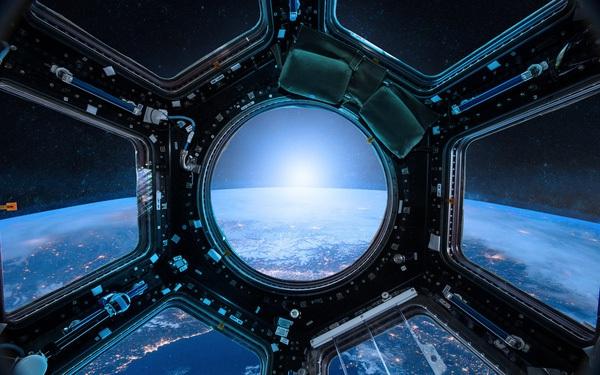 Cứ lên Trạm Vũ trụ ISS là sẽ chụp được ảnh Trái Đất đẹp lung linh? Thực tế không dễ như bạn nghĩ đâu