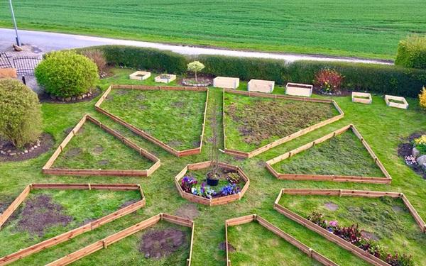 Khu vườn cổ tích của hai chàng trai có cùng sở thích trồng rau, nuôi gà