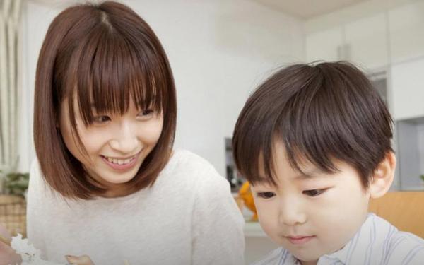 Đừng tưởng người Nhật lúc nào cũng giỏi dạy con, đất nước này có 1 dịch vụ kỳ quặc khiến trẻ em mãi không trưởng thành