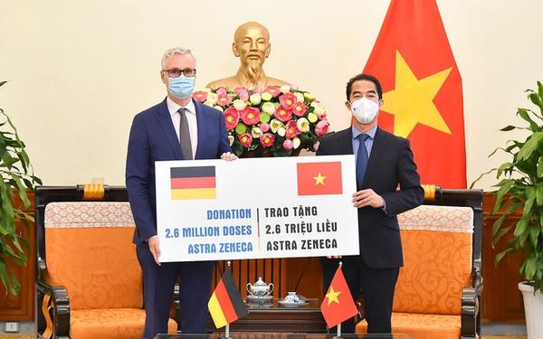 Việt Nam tiếp nhận 2,6 triệu liều vaccine AstraZeneca do Chính phủ Đức viện trợ