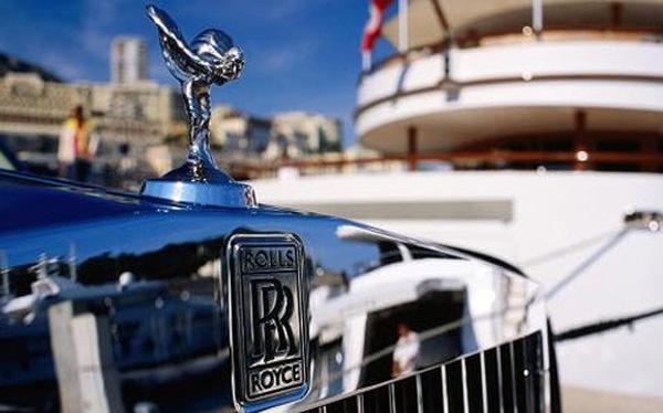 Lo tiền Rúp mất giá, nhà giàu Nga đua sắm Rolls-Royce