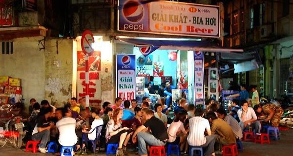 Bán bia hơi tại Hà Nội 'hốt bạc' vào tháng nào trong năm?