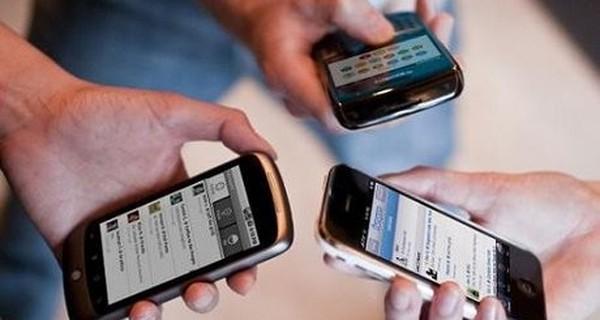 Người Việt chi 12.000 tỉ đồng mua điện thoại di động trong quý 3