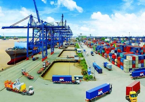 Tháng 8 xuất siêu 1,1 tỷ USD, thặng dư thương mại kỷ lục 3 tỷ USD