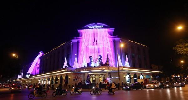 """Tràng Tiền Plaza mở cửa đón khách """"bình dân"""""""