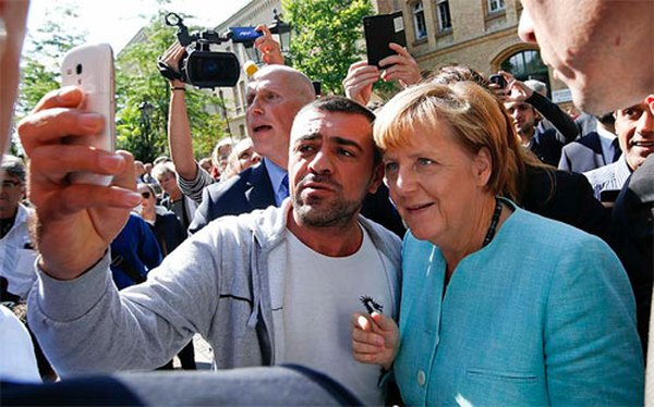 """Người Đức hối tiếc vì """"trải thảm đỏ"""" đón dân di cư"""