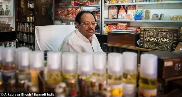 Ghé thăm tiệm nước hoa thủ công 200 năm tuổi tại Ấn Độ