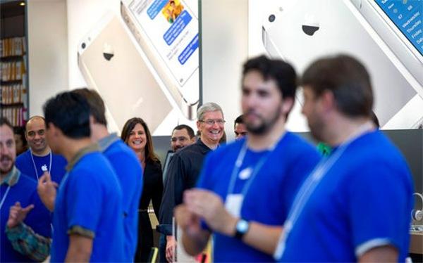 Doanh số iPhone tăng gấp rưỡi, lợi nhuận của Apple lập kỷ lục