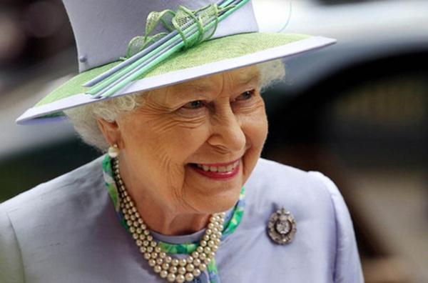 [Infographic] Cuộc đời của nữ hoàng trị vì lâu đời nhất nước Anh - Elizabeth II