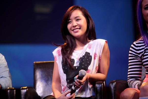 """Phù thủy trang điểm Michelle Phan: """"Mẹ đã khóc rất nhiều khi tôi chọn ngành này"""""""