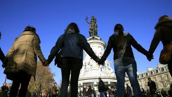 Công bố danh tính 3 nghi can khủng bố Paris