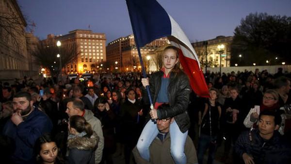 """Pháp sẽ """"chiến đấu"""" theo kiểu Mỹ hay kiểu khoan dung?"""