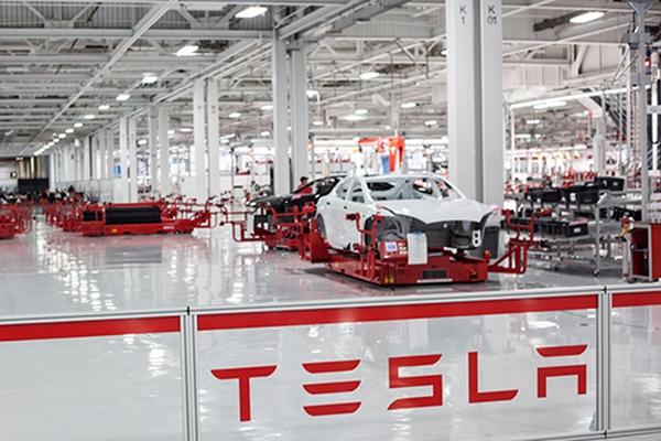 [InsideFactory] Bên trong siêu nhà máy sản xuất xe ô tô điện của Tesla