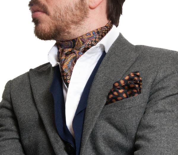 Những cách quàng khăn chuẩn mực cho quý ông