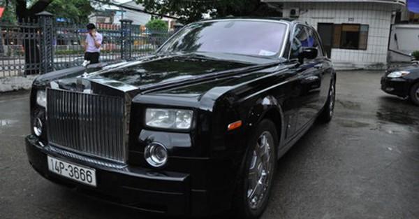 """""""Chúa đảo"""" Tuần Châu ủng hộ siêu xe Rolls Royce 39 tỷ cho dân vùng lũ"""