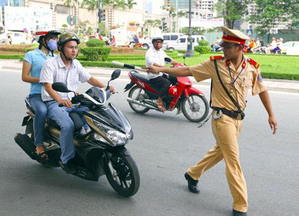 Khi nào cảnh sát giao thông được dừng xe của bạn?