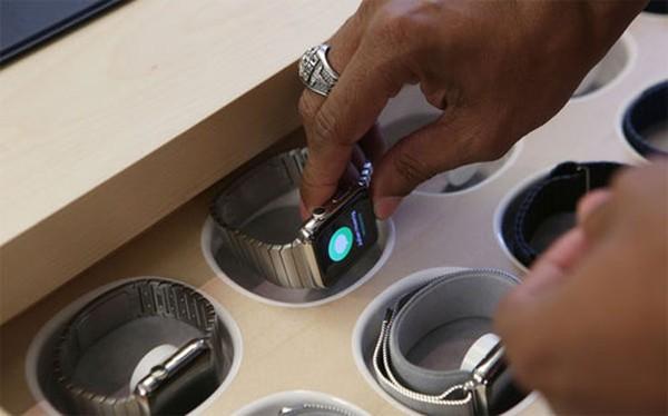 Apple áp chiến thuật của Hermès để bán Apple Watch