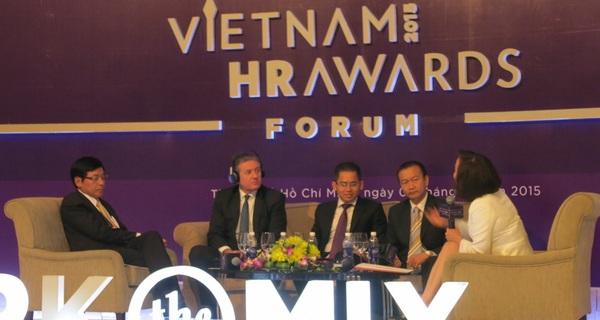 """""""Hiếm có quốc gia nào mà nhân sự trình độ đại học làm công việc bán hàng nhiều như Việt Nam"""""""