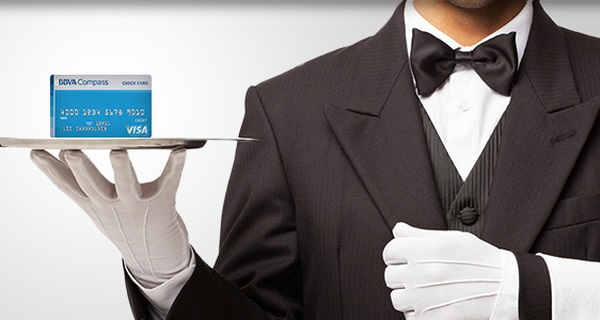 Muốn thỏa mãn khách VIP, nhân viên ngân hàng cũng phải... VIP