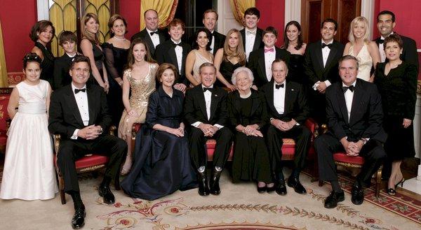 Bush - Gia tộc nắm trong tay cả quyền và tiền danh giá nhất nước Mỹ