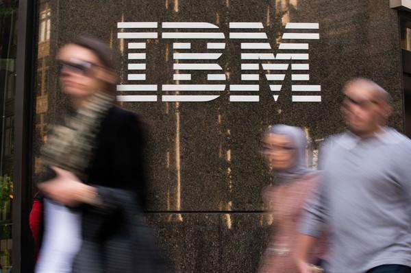 5 biểu đồ 'tố cáo' tình hình kinh doanh sa sút của IBM
