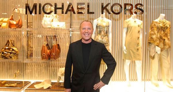 Điều gì khiến cho các tín đồ thời trang mê mệt Michael Kors đến vậy