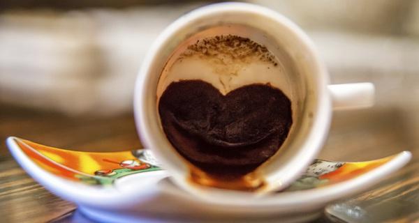 Nhận biết tương lai qua cặn cà phê bạn vừa uống