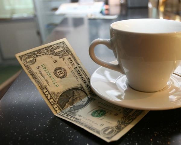 [Infographic] Quy tắc đưa tiền típ tại khách sạn nhất định phải biết