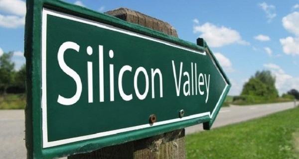 """Cuộc đua lợi nhuận của """"những gã khổng lồ"""" tại Thung lũng Silicon"""