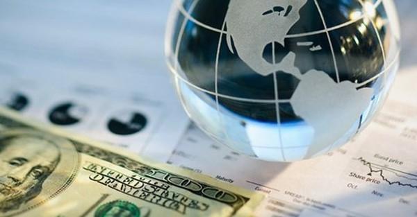 USD bất ngờ tăng mạnh trước giờ G