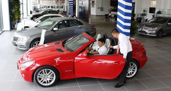 Càng cuối năm, người Việt càng mạnh tay chi tiền mua ô tô