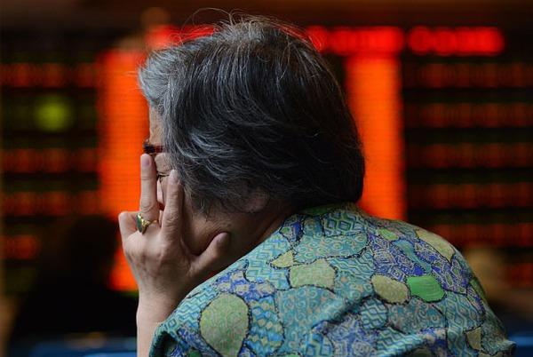 Chứng khoán Trung Quốc lao dốc tác động thế nào đến kinh tế toàn cầu?