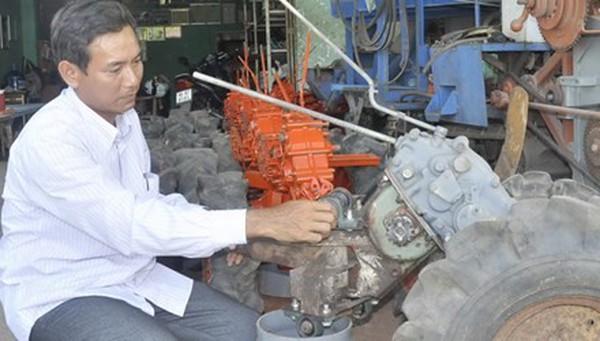 'Tỷ phú' kỹ sư chân đất làm máy nông nghiệp xuất khẩu