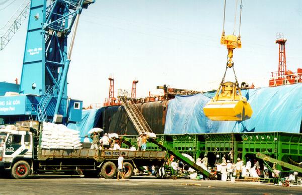 Từ 6/5 tới, nhiều DN xuất nhập khẩu tại Việt Nam sẽ được lợi lớn