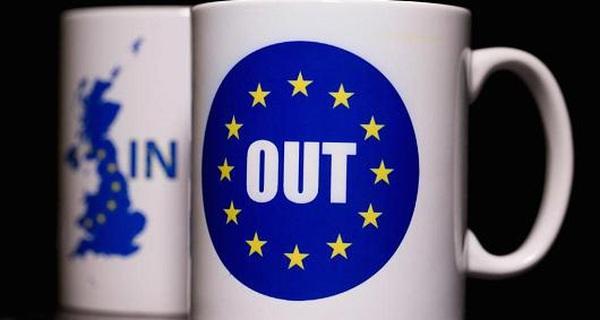 Sau Brexit, kinh tế Anh sẽ rơi vào suy thoái năm 2017