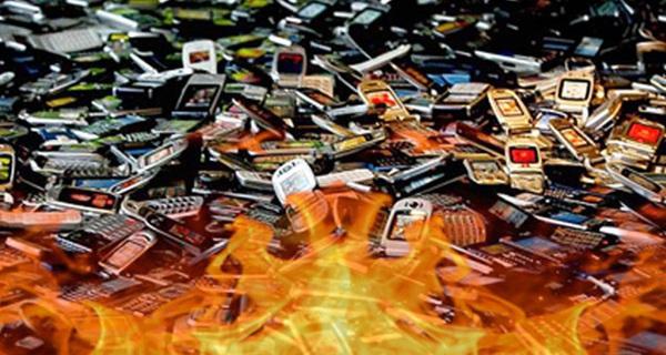 Bạn có biết hơn 20 năm trước, 150.000 chiếc điện thoại Samsung bị đốt cháy...