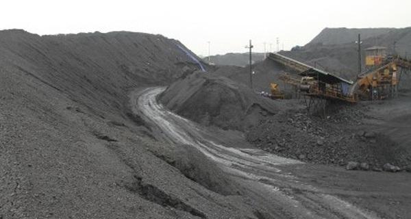 Ngành than tồn kho gần 10 triệu tấn than: Than ngoại giá rẻ lấn lướt than nội