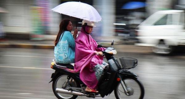 Làm đường chưa tốt, Myanmar đã muốn cấm xe máy, chuốc lấy hậu quả tệ hại