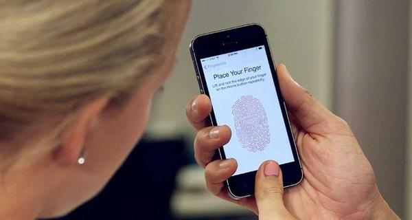Đây là lý do luật sư khuyên bạn không nên dùng vân tay để mở khóa điện thoại